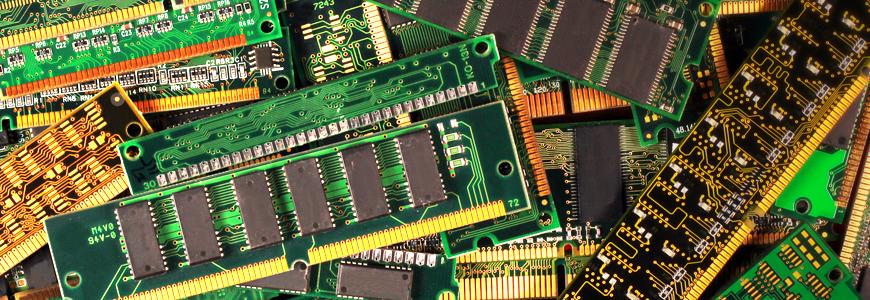 どうしてDDRメモリには専用電源が必要なの?の画像